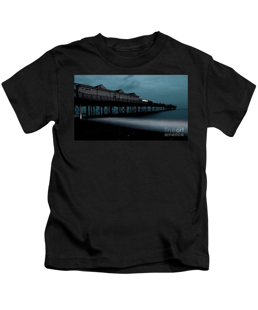 Teignmouth Kids T-Shirt featuring the photograph Teignmouth Pier At Dusk by Rob Hawkins