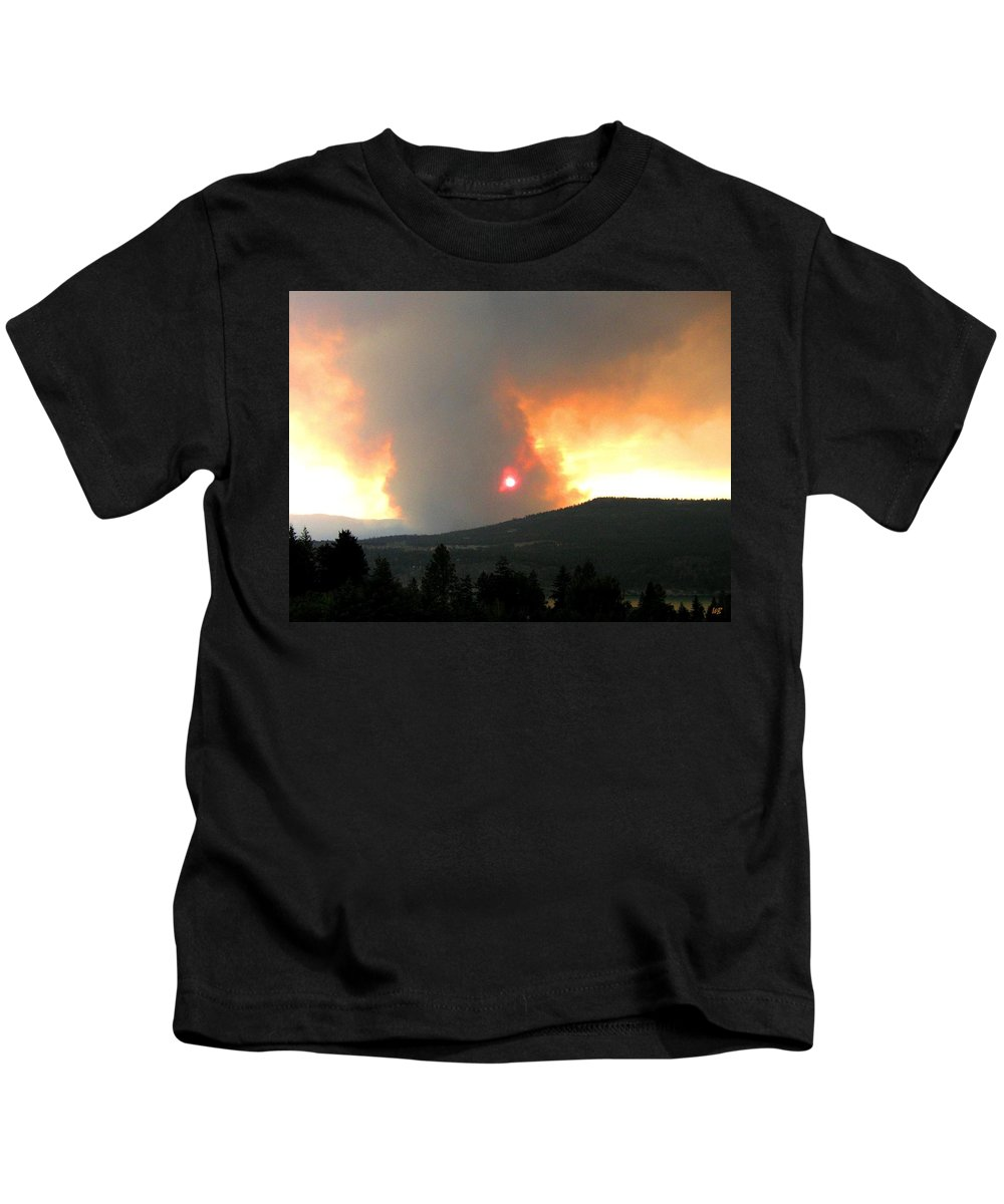 Forest Fire Kids T-Shirt featuring the photograph Terrace Mountain Fire 3 by Will Borden