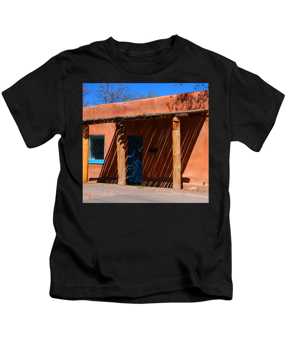 Santa Fe Kids T-Shirt featuring the photograph The Big Shade by Susanne Van Hulst