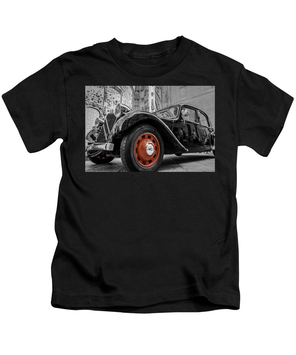 Cityscape Kids T-Shirt featuring the photograph The Car by Javier Alcaide Nadales