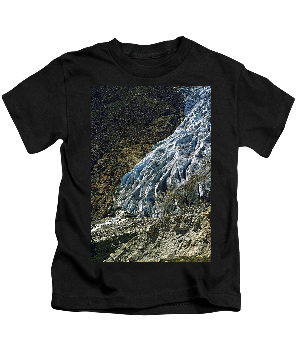 Glacier Kids T-Shirt featuring the photograph The Claw by Steve Harrington