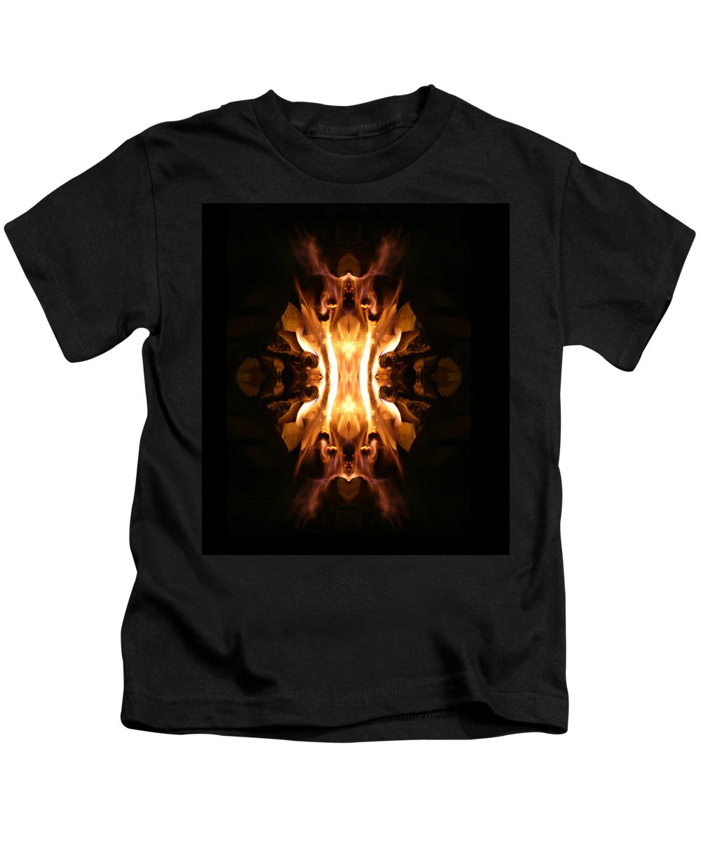 Photographs Kids T-Shirt featuring the photograph The Screamer by Munir Alawi