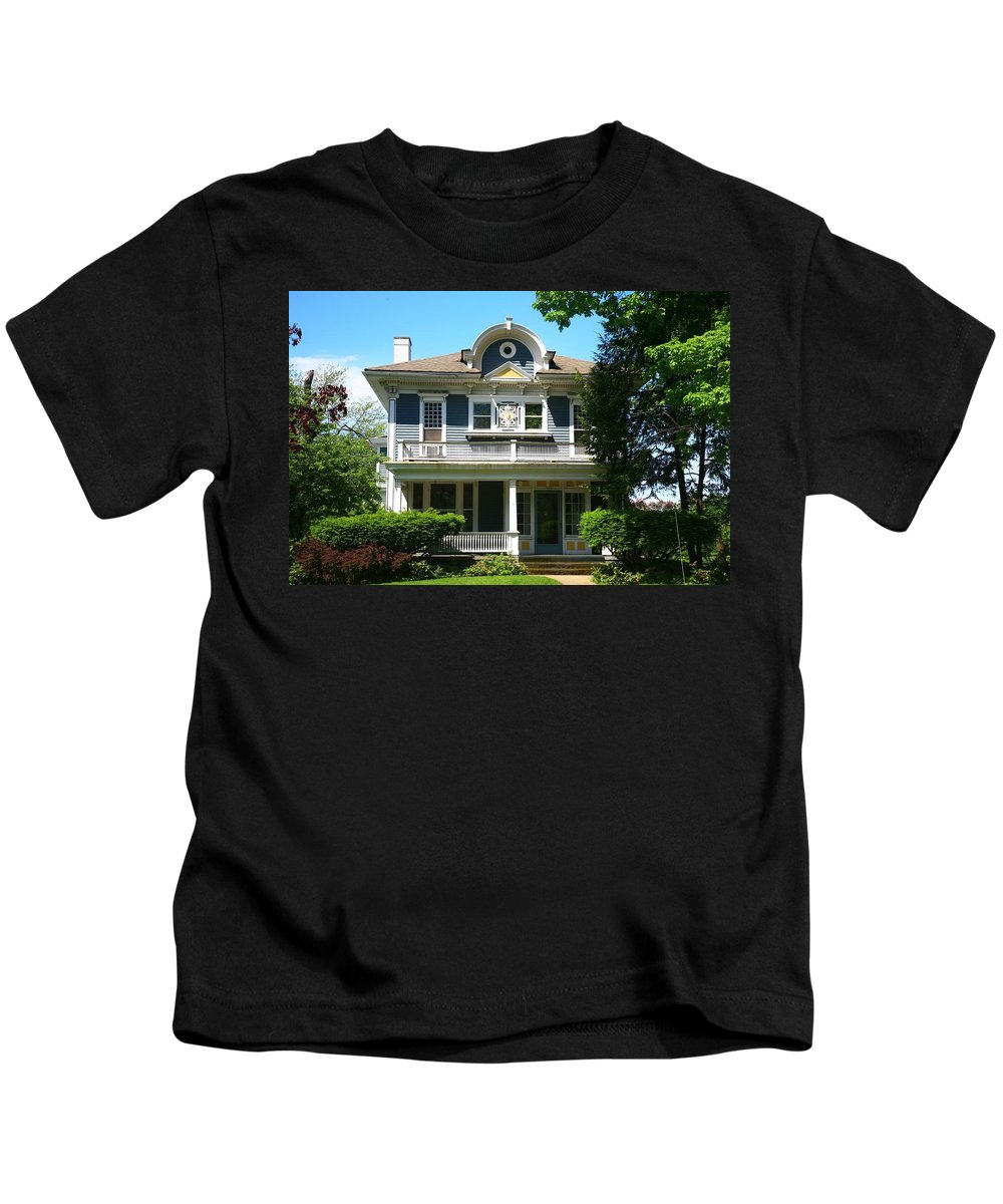 Tags:  House Photographs Kids T-Shirt featuring the photograph This Old House by Robert Pearson