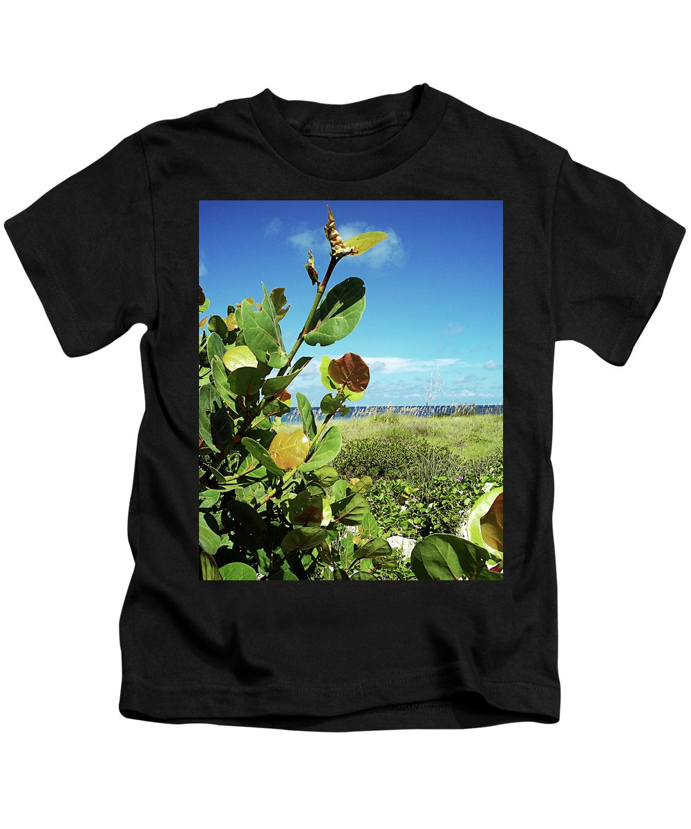 Florida Kids T-Shirt featuring the photograph To The Sky Gp by Chris Andruskiewicz