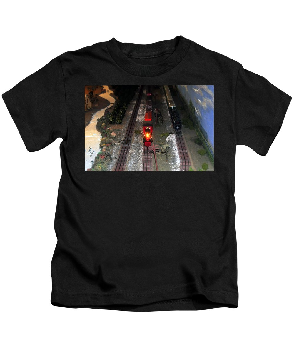 Train Kids T-Shirt featuring the photograph Train Set by David Lee Thompson
