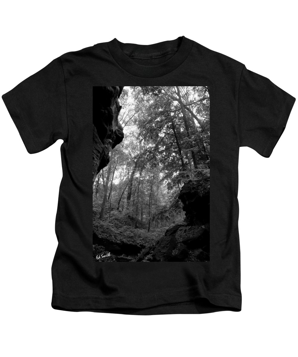 Tunnel Of Love Kids T-Shirt featuring the photograph Tunnel Of Love by Ed Smith