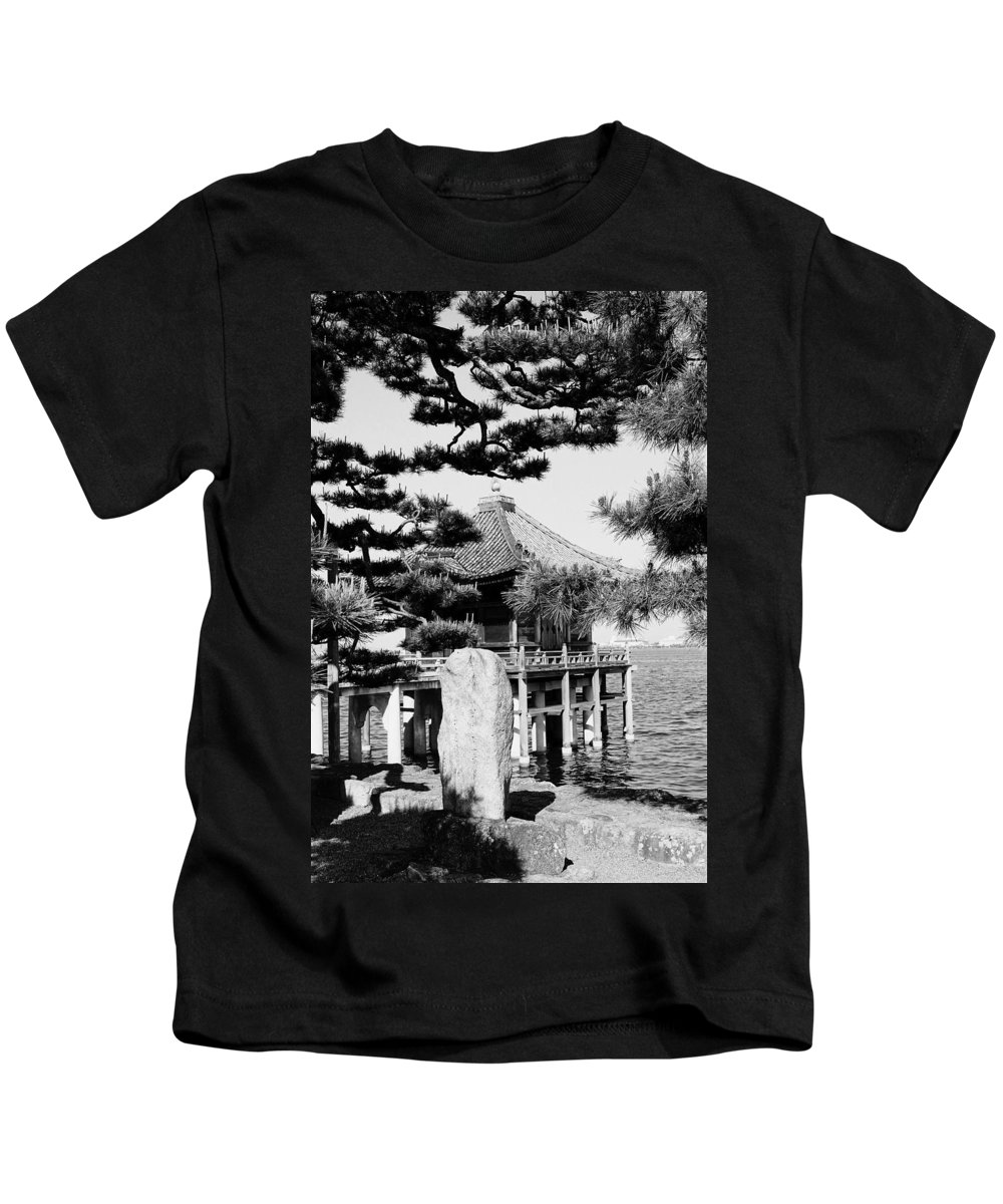 Asia Kids T-Shirt featuring the photograph Ukimi-do Temple by Juergen Weiss