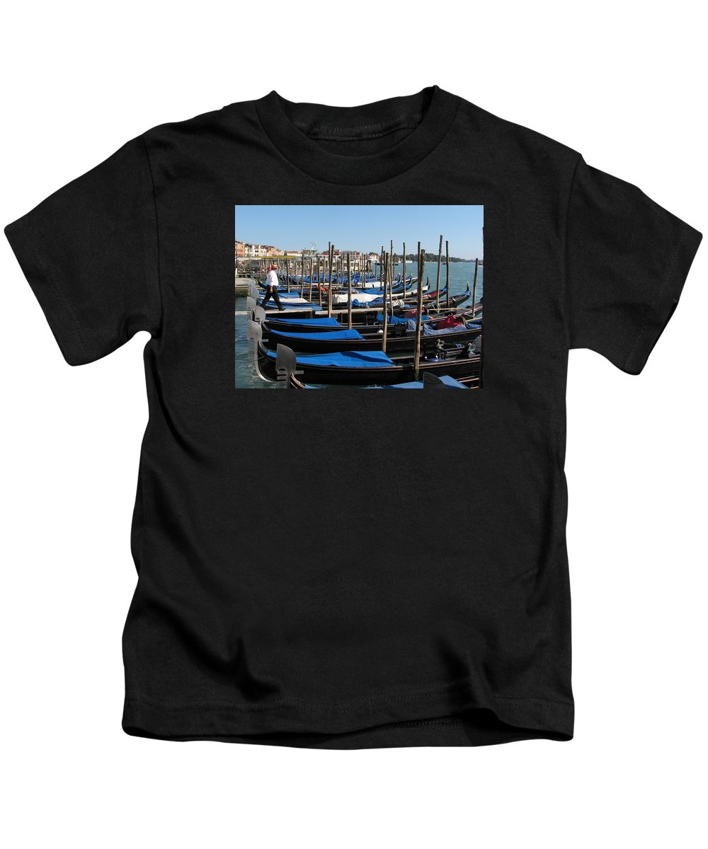 Venice Kids T-Shirt featuring the photograph Venice Cab Stand by Lin Grosvenor