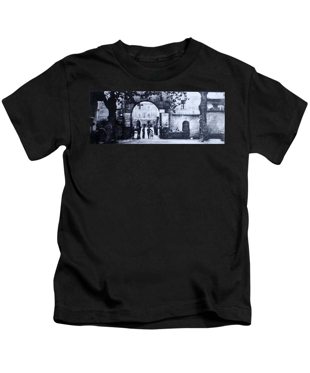 Tuscany Kids T-Shirt featuring the photograph Villafranca by Kurt Hausmann