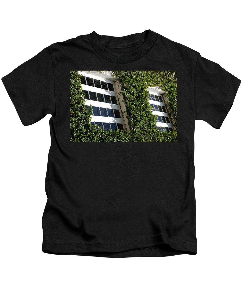 Architecture Kids T-Shirt featuring the photograph Vines And Glass by Rob Hans