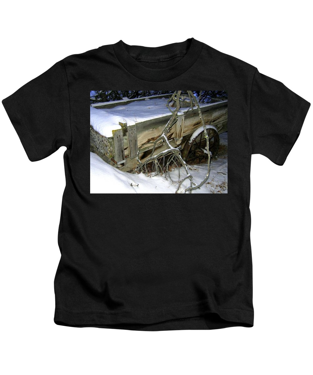 Farm Wagon Kids T-Shirt featuring the photograph Vintage Farm Wagon by Will Borden