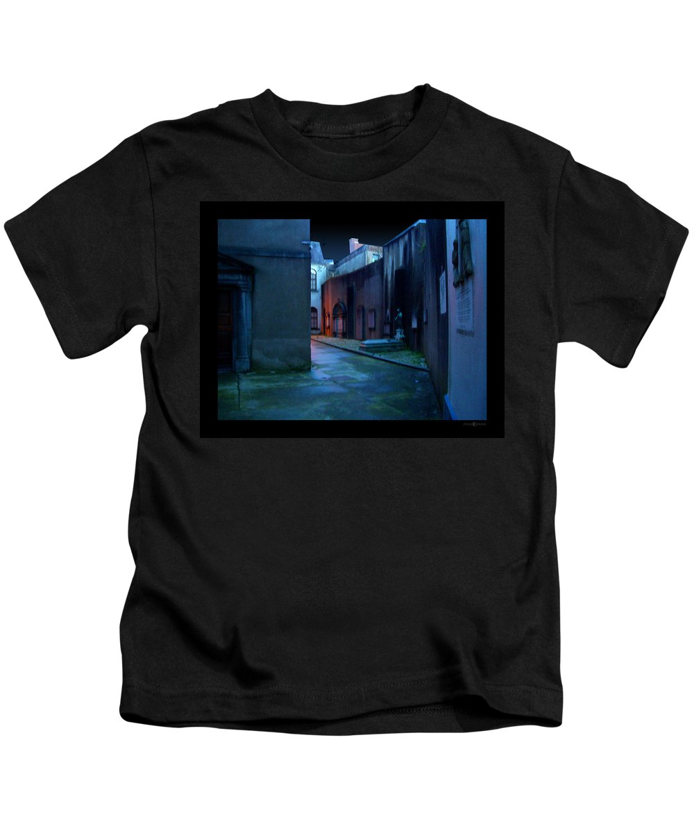 Waterford Kids T-Shirt featuring the photograph Waterford Alley by Tim Nyberg