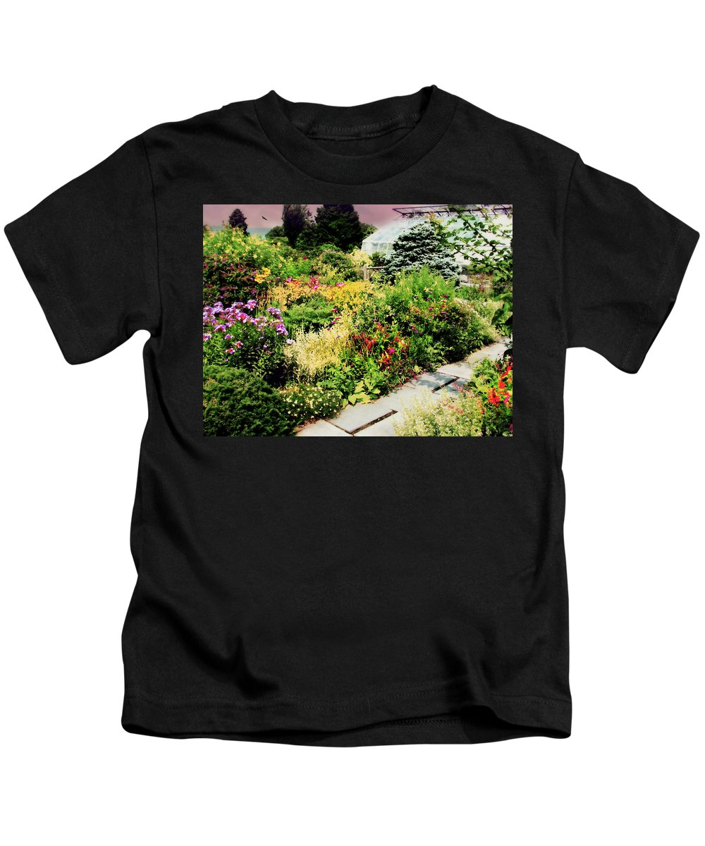 Garden Kids T-Shirt featuring the photograph Wave Hill Conservatory by Diana Angstadt