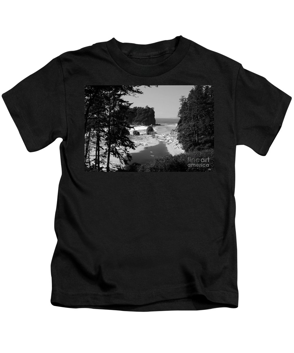 Cove Kids T-Shirt featuring the photograph Wild Cove by David Lee Thompson