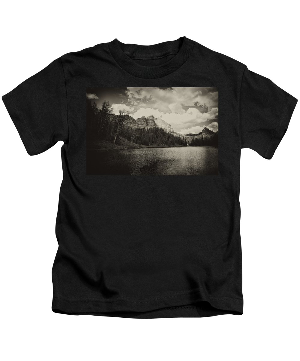 Wind Kids T-Shirt featuring the photograph Wind River Lake by Hugh Smith