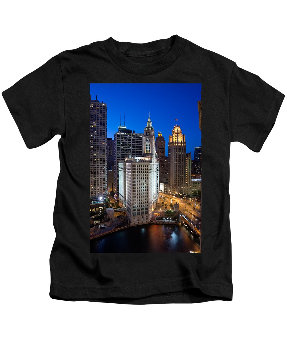 Chicago Kids T-Shirt featuring the photograph Wrigley Building Night by Steve Gadomski