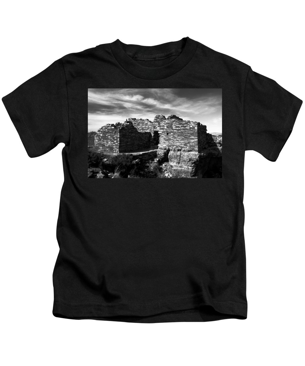 Wupatki National Monument Arizona Kids T-Shirt featuring the photograph Wupatki by David Lee Thompson