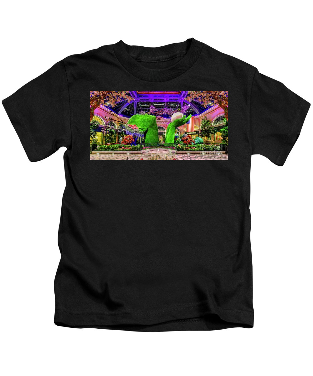 Bellagio Conservatory Kids T-Shirt featuring the photograph Bellagio Conservatory Spring Display Ultra Wide 2 To 1 Aspect Ratio by Aloha Art