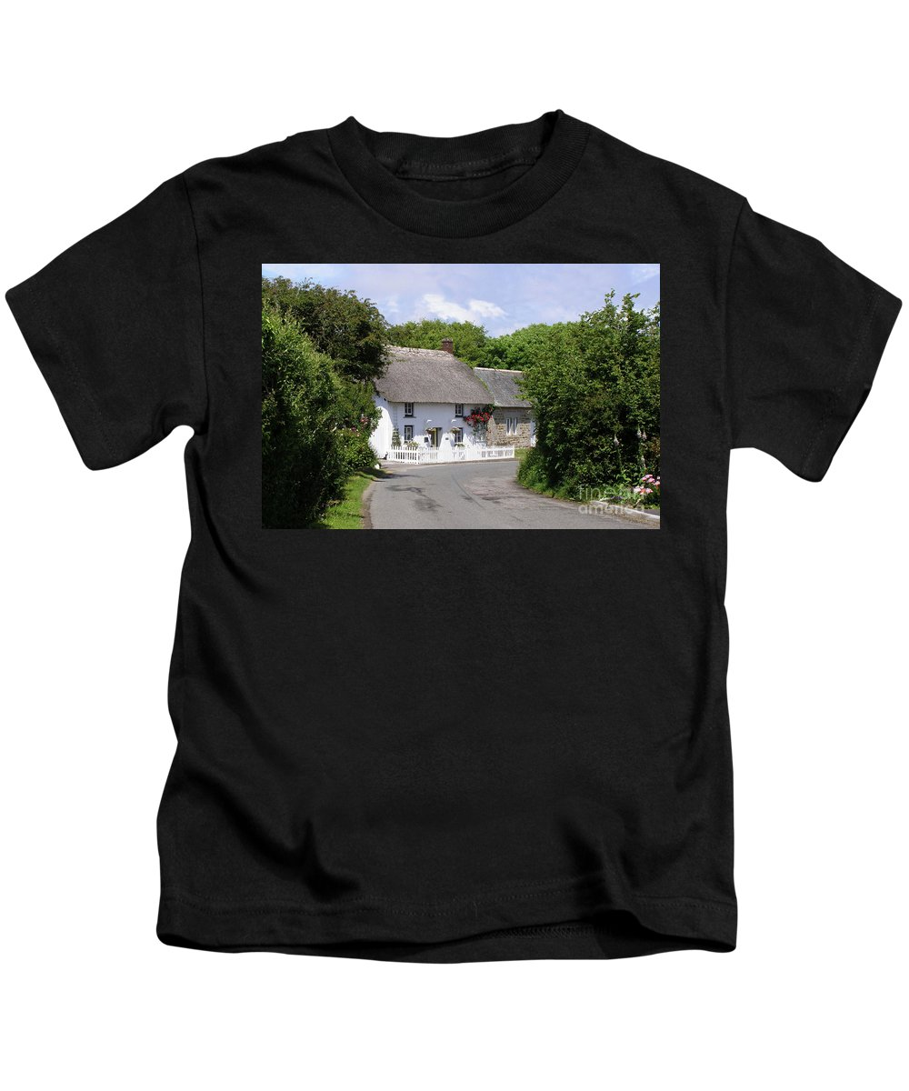 Cottage Kids T-Shirt featuring the photograph Cornish Thatched Cottage by Terri Waters