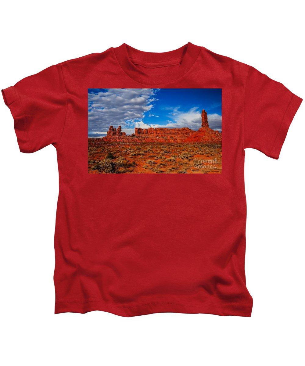 Valley Of The Gods Kids T-Shirt featuring the photograph Battleship Rock by Robert Bales