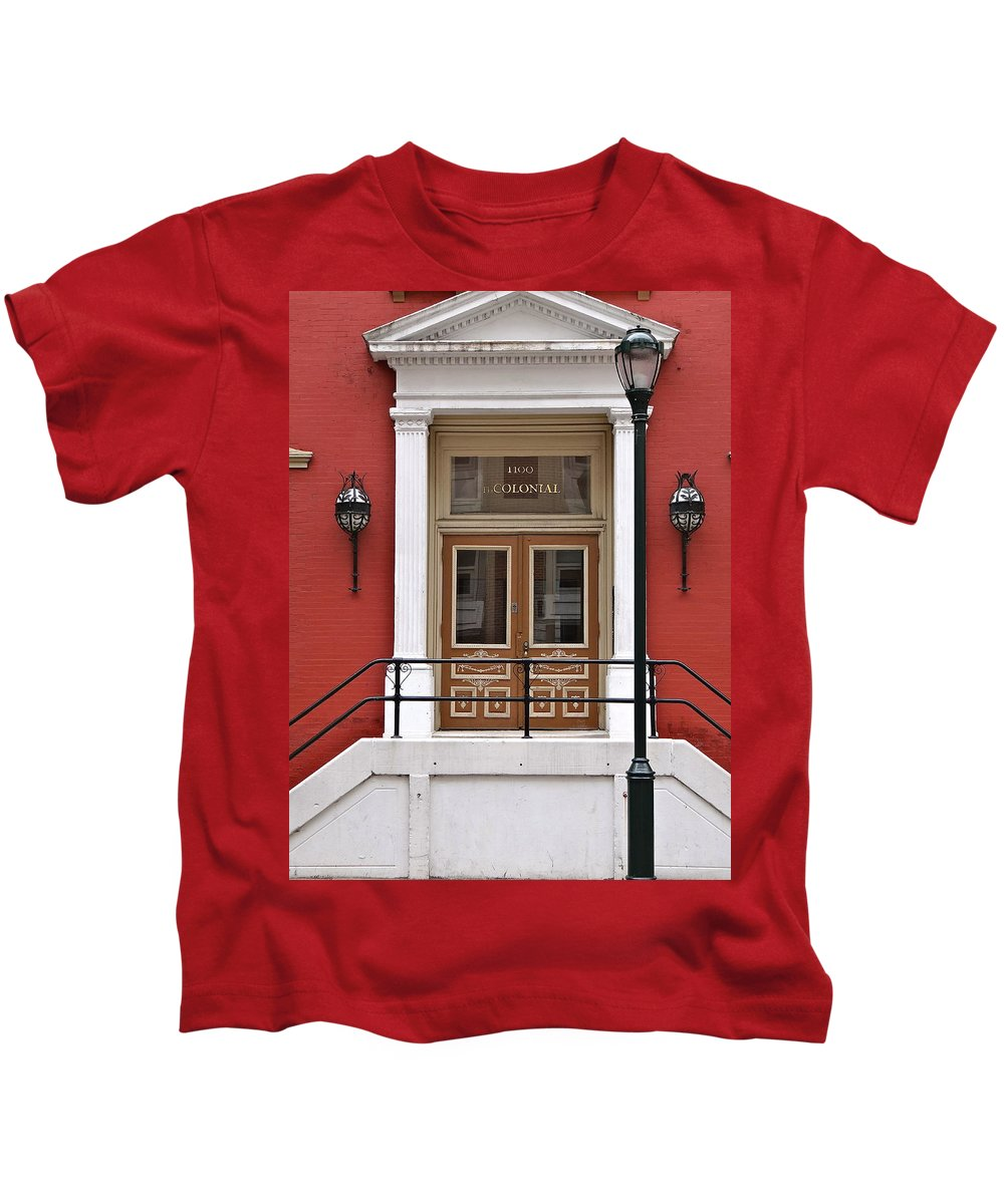 Philadelphia Architecture Kids T-Shirt featuring the photograph The Colonial by Ira Shander