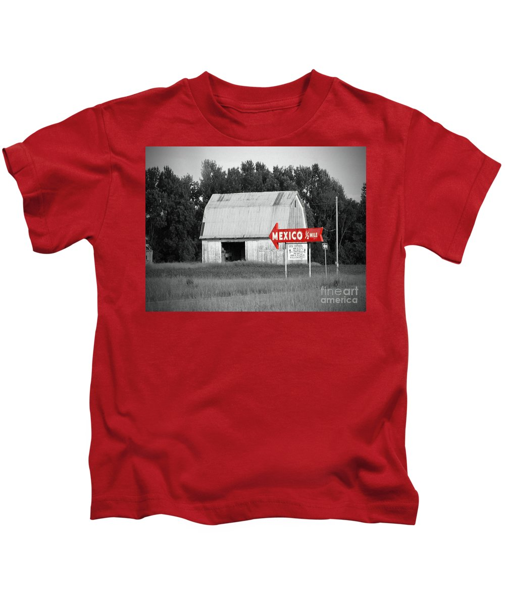 Mexico Kids T-Shirt featuring the photograph This Way To Mexico by Jost Houk