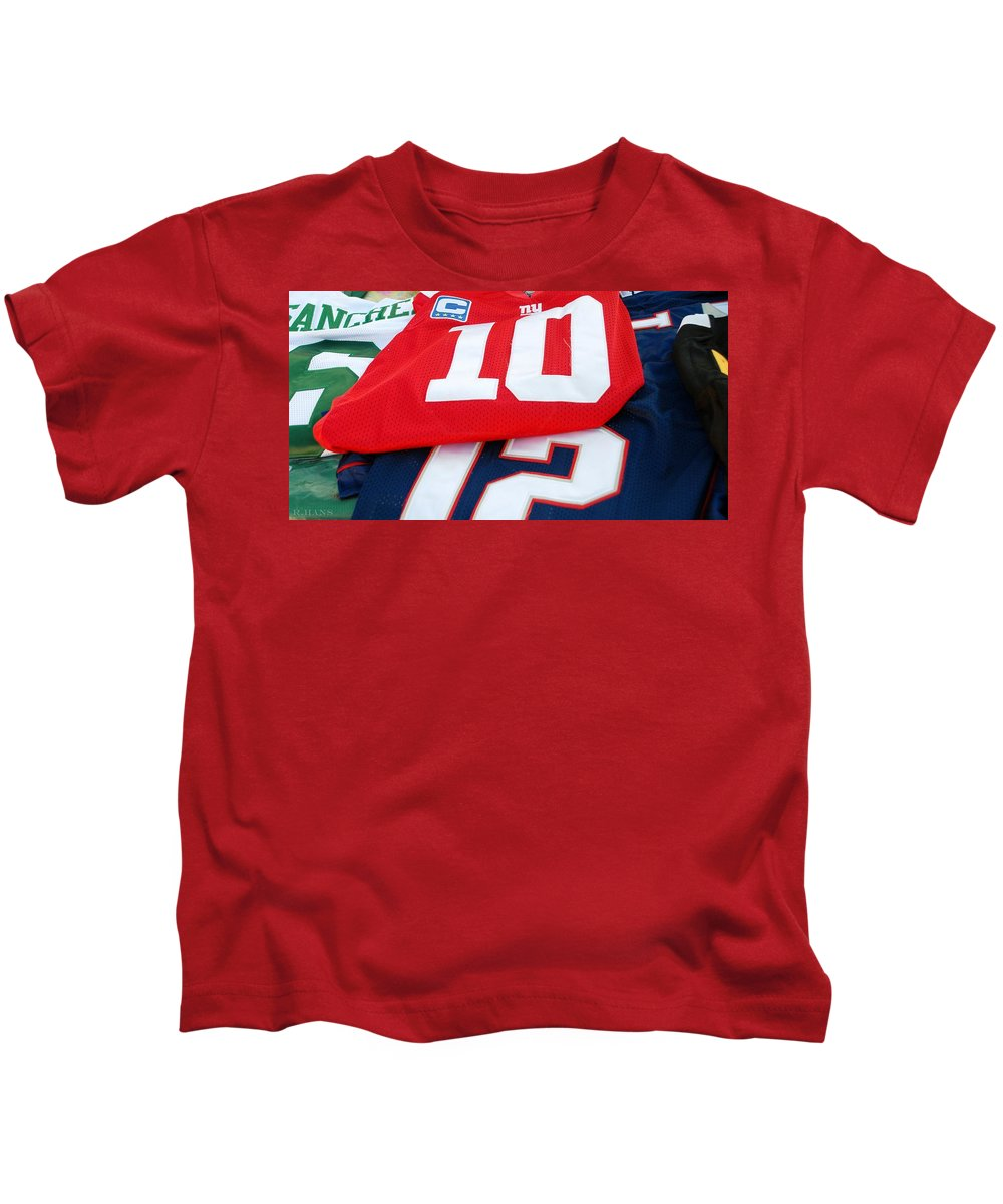 New York Giants Kids T-Shirt featuring the photograph 6 10 12 by Rob Hans