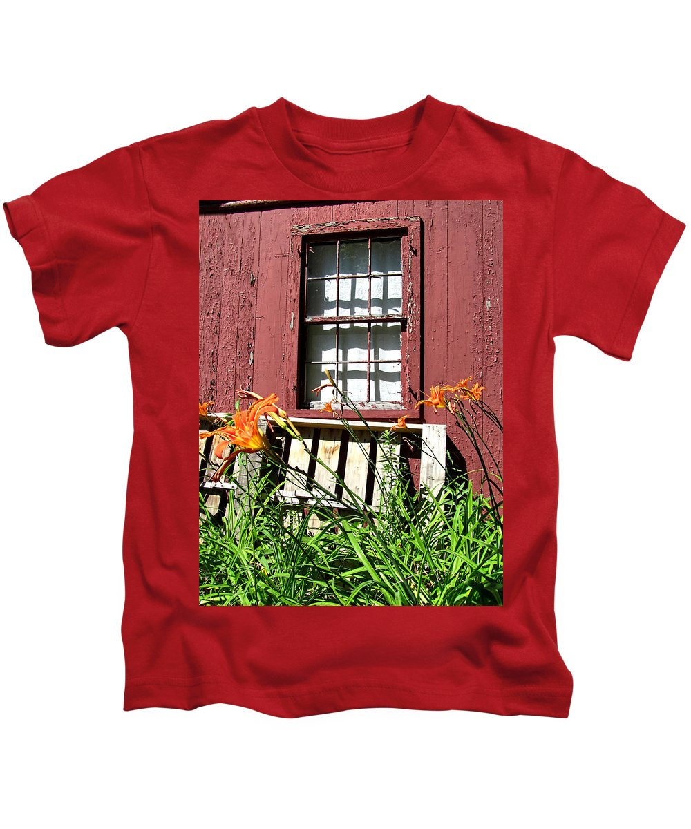 Rustic Kids T-Shirt featuring the photograph Needs Painted by Mark Sellers