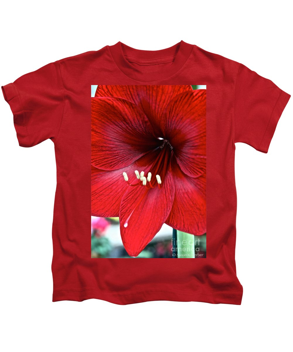 Tropical Plant Kids T-Shirt featuring the photograph Really Red by Susan Herber