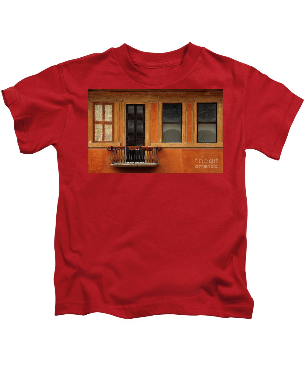 Ochre Kids T-Shirt featuring the photograph Spanish Steps Balcony Rome Italy by Mike Nellums