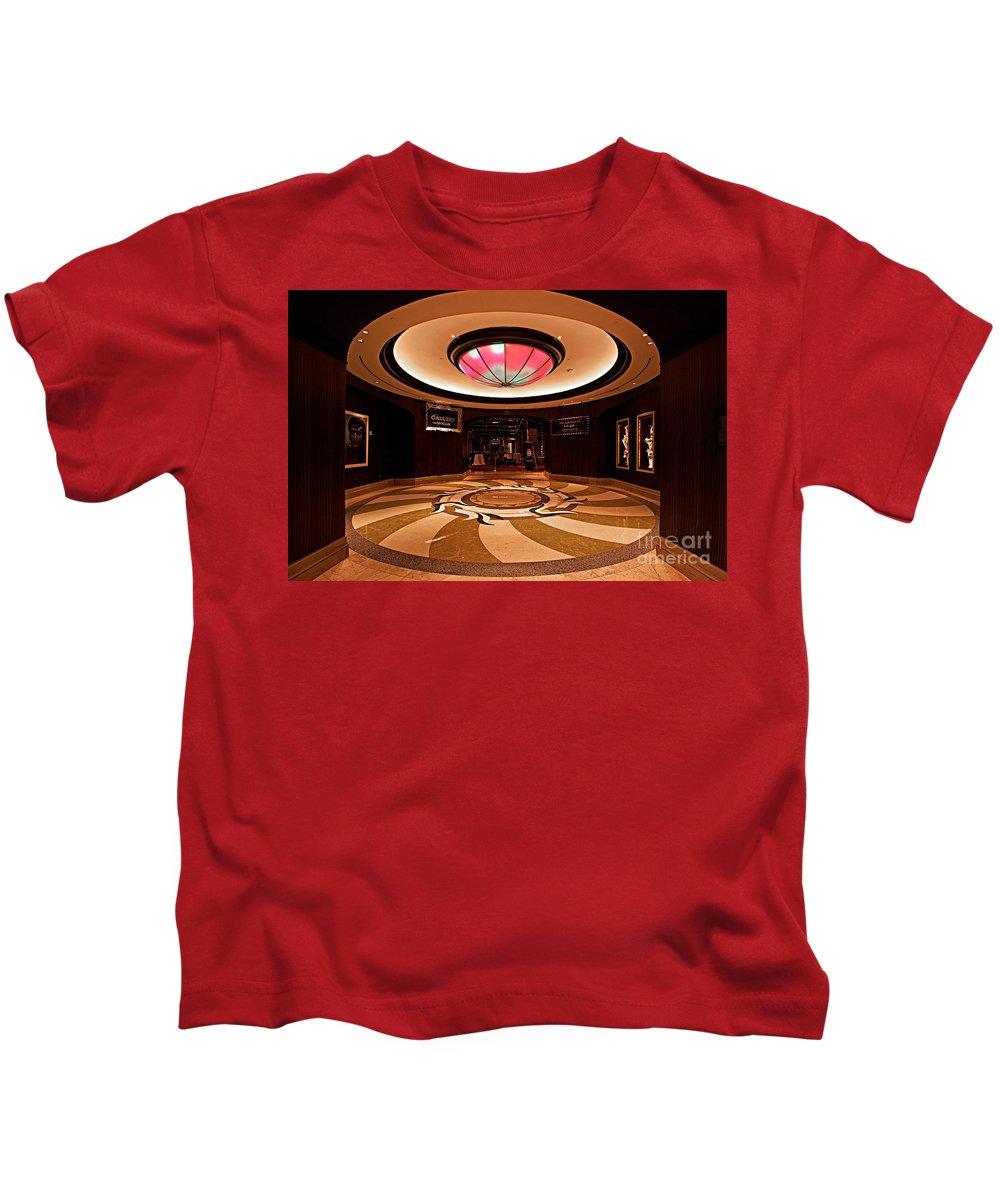 Planet Hollywood Casino Kids T-Shirt featuring the photograph Planet Hollywood Casino by Christian Hallweger