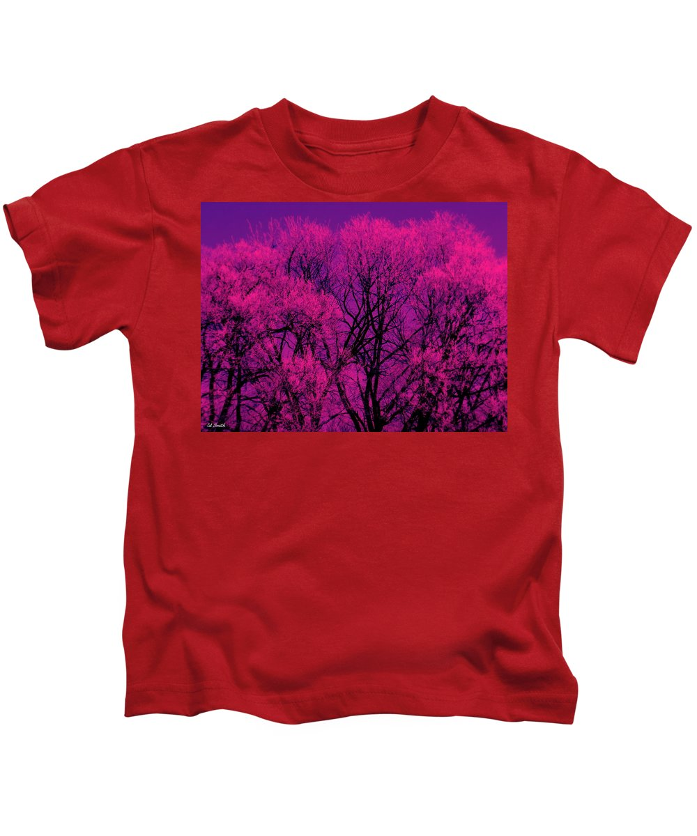 A Splash Of Purple Kids T-Shirt featuring the photograph A Splash Of Purple by Edward Smith