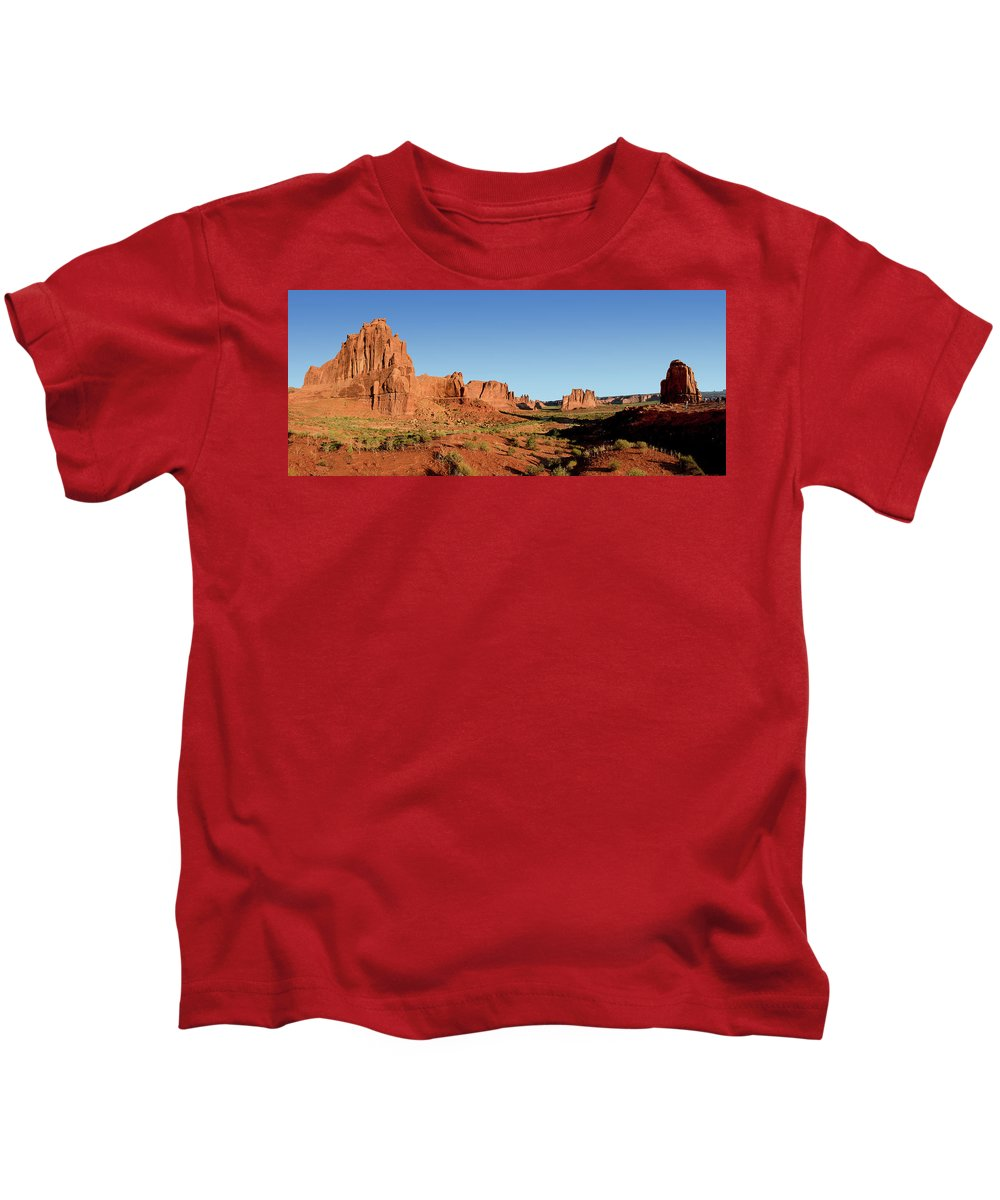 National Park Kids T-Shirt featuring the photograph Arch National Park by Diwar Lee