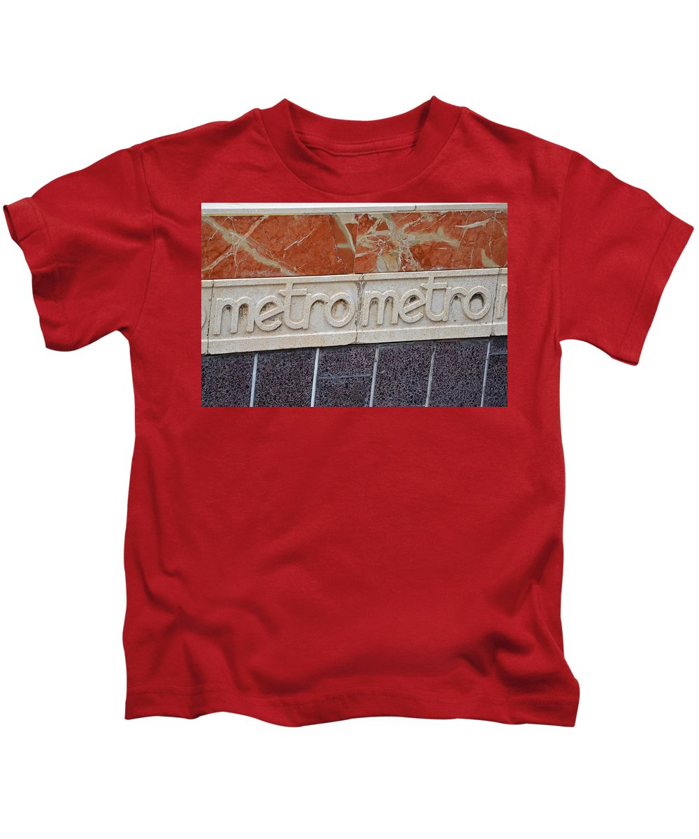 Barcelona Kids T-Shirt featuring the photograph Barcelona Spain Metro Sign by Toby McGuire
