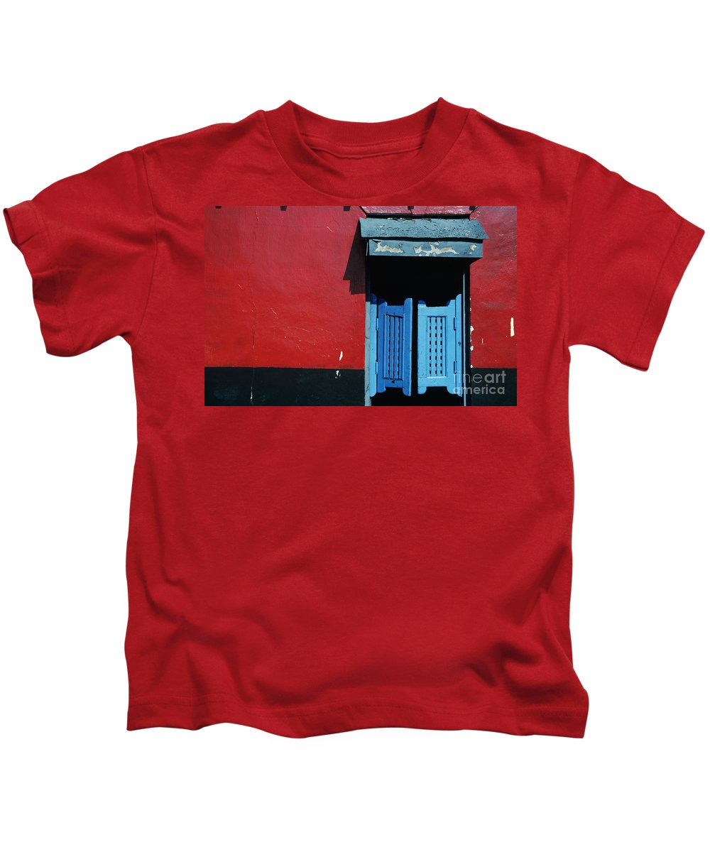 Architecture Kids T-Shirt featuring the photograph Colorful Caribbean Door by Larry Dale Gordon - Printscapes