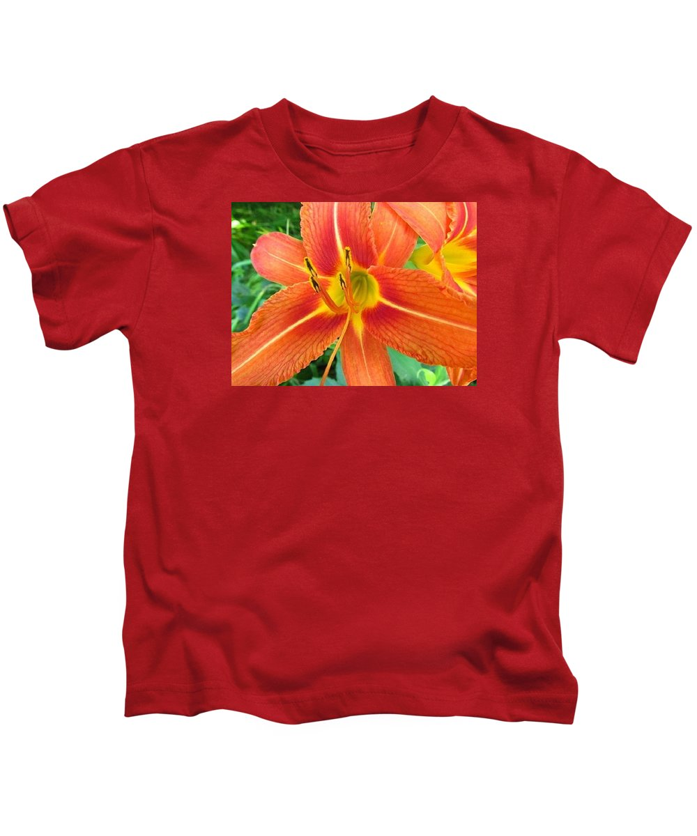Flower Kids T-Shirt featuring the photograph Day Lily by Robert Nacke