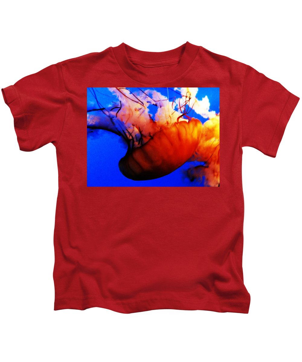 Jellyfish Kids T-Shirt featuring the photograph Jellyfish Beauty by Lisa Victoria Proulx