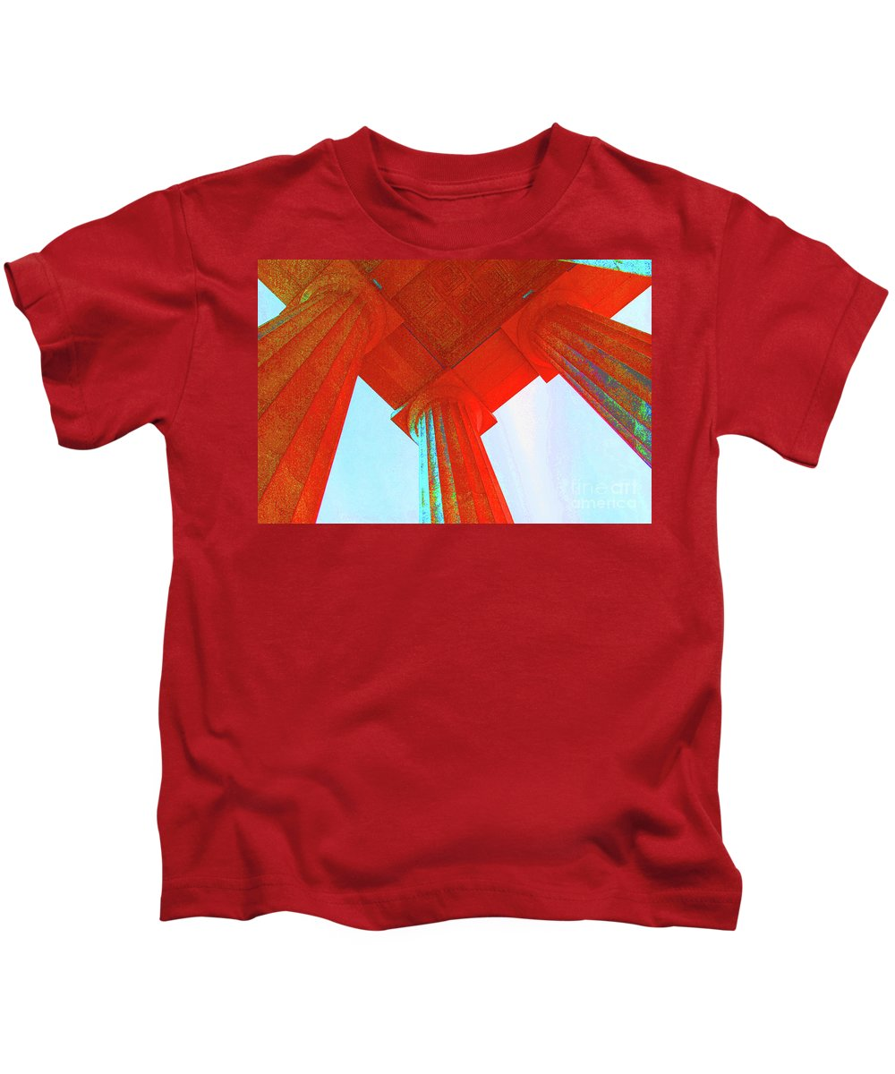 Lincoln Kids T-Shirt featuring the photograph Lincoln Colomn Red by Jost Houk