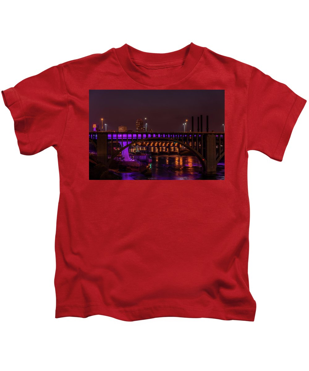 I-35 Kids T-Shirt featuring the photograph Minneapolis In Purple 5 by Bill Pohlmann