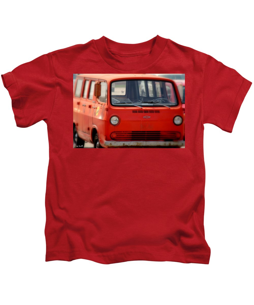 Really Fuzzy Memories Kids T-Shirt featuring the photograph Really Fuzzy Memories by Edward Smith
