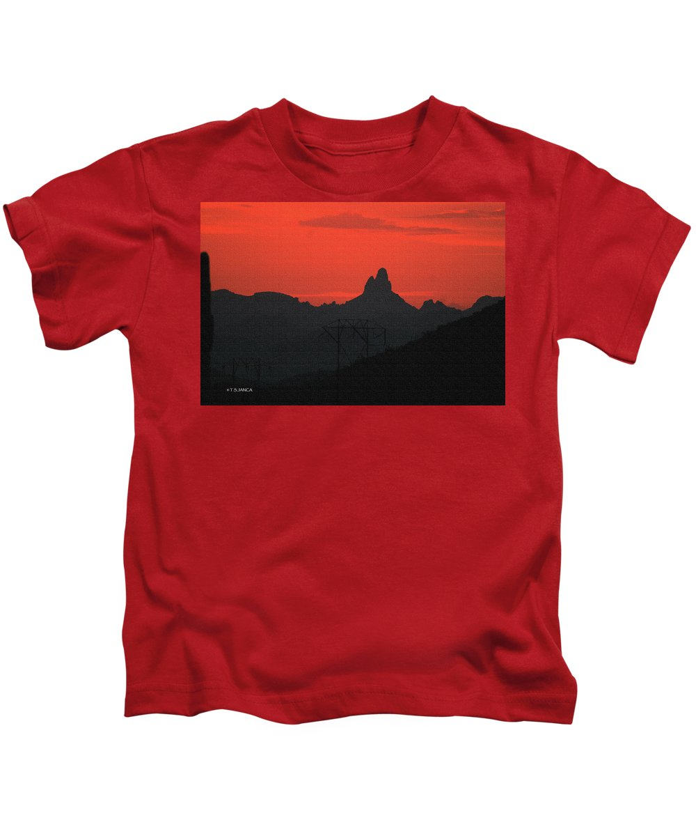Weaver Needle Sunset Kids T-Shirt featuring the photograph Weaver Needle Sunset by Tom Janca