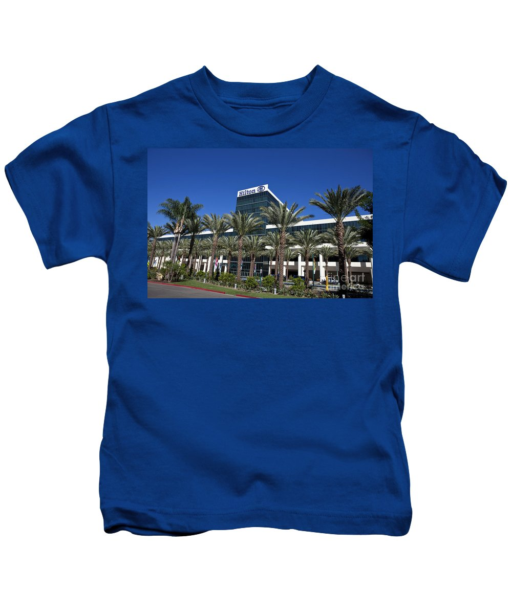 Hilton Anaheim Kids T-Shirt featuring the photograph Hilton Anaheim by Jason O Watson