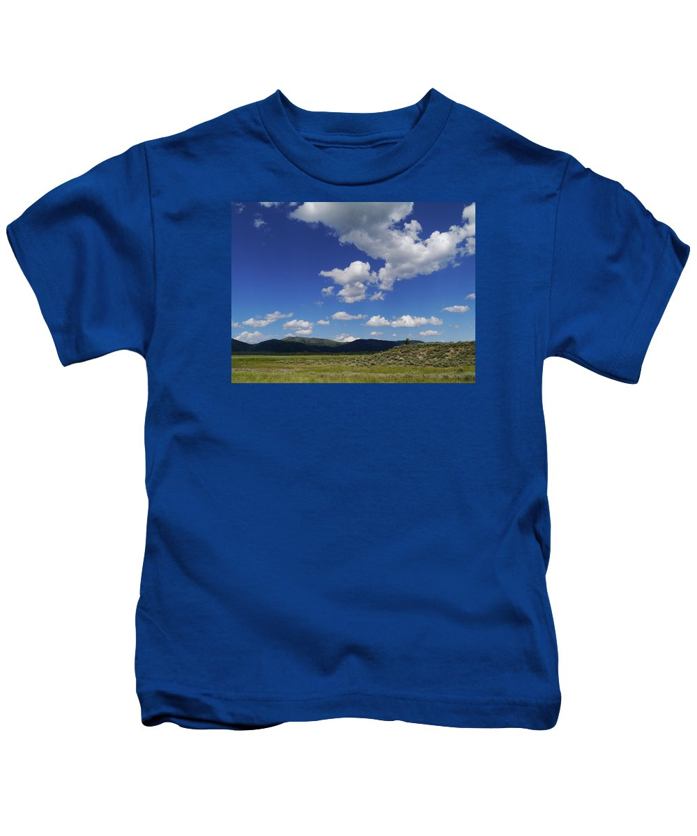 Idaho Kids T-Shirt featuring the photograph Big Blue Sky by Christiane Schulze Art And Photography