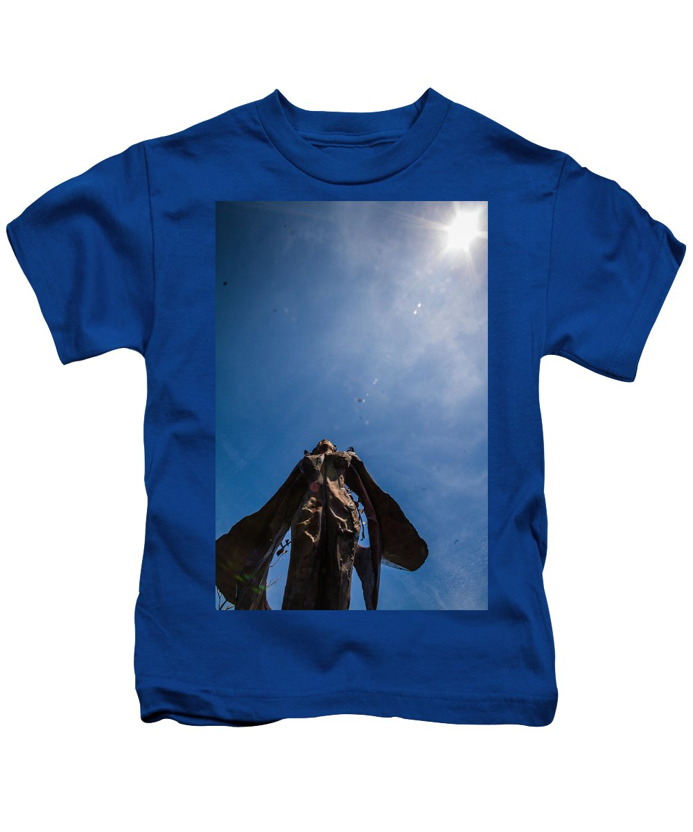 Kids T-Shirt featuring the photograph Daphne Loves The Sun by Sue Conwell