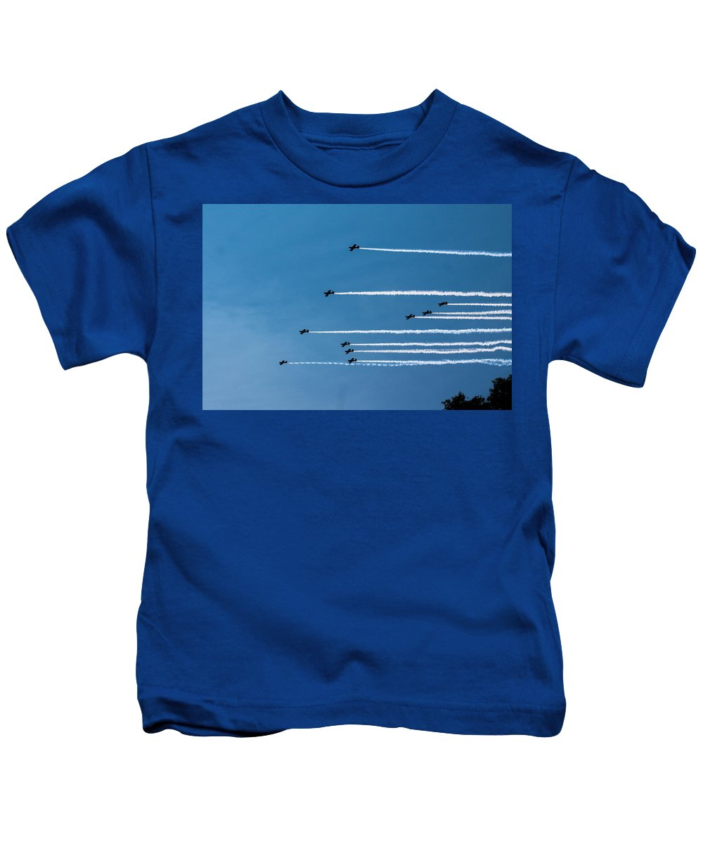 Kids T-Shirt featuring the photograph Incoming by Sue Conwell