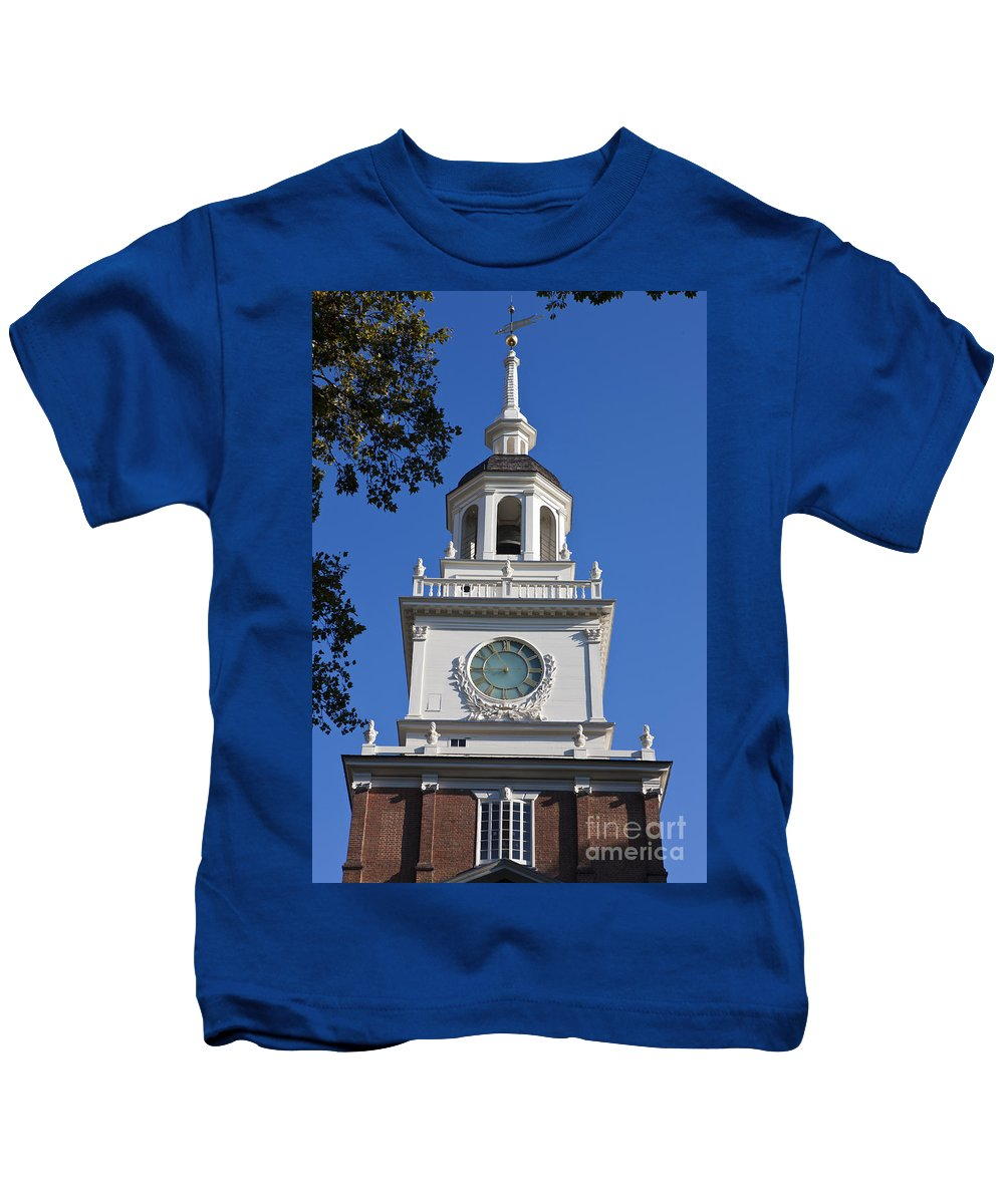 Independence Hall Kids T-Shirt featuring the photograph Independence Hall by Jason O Watson