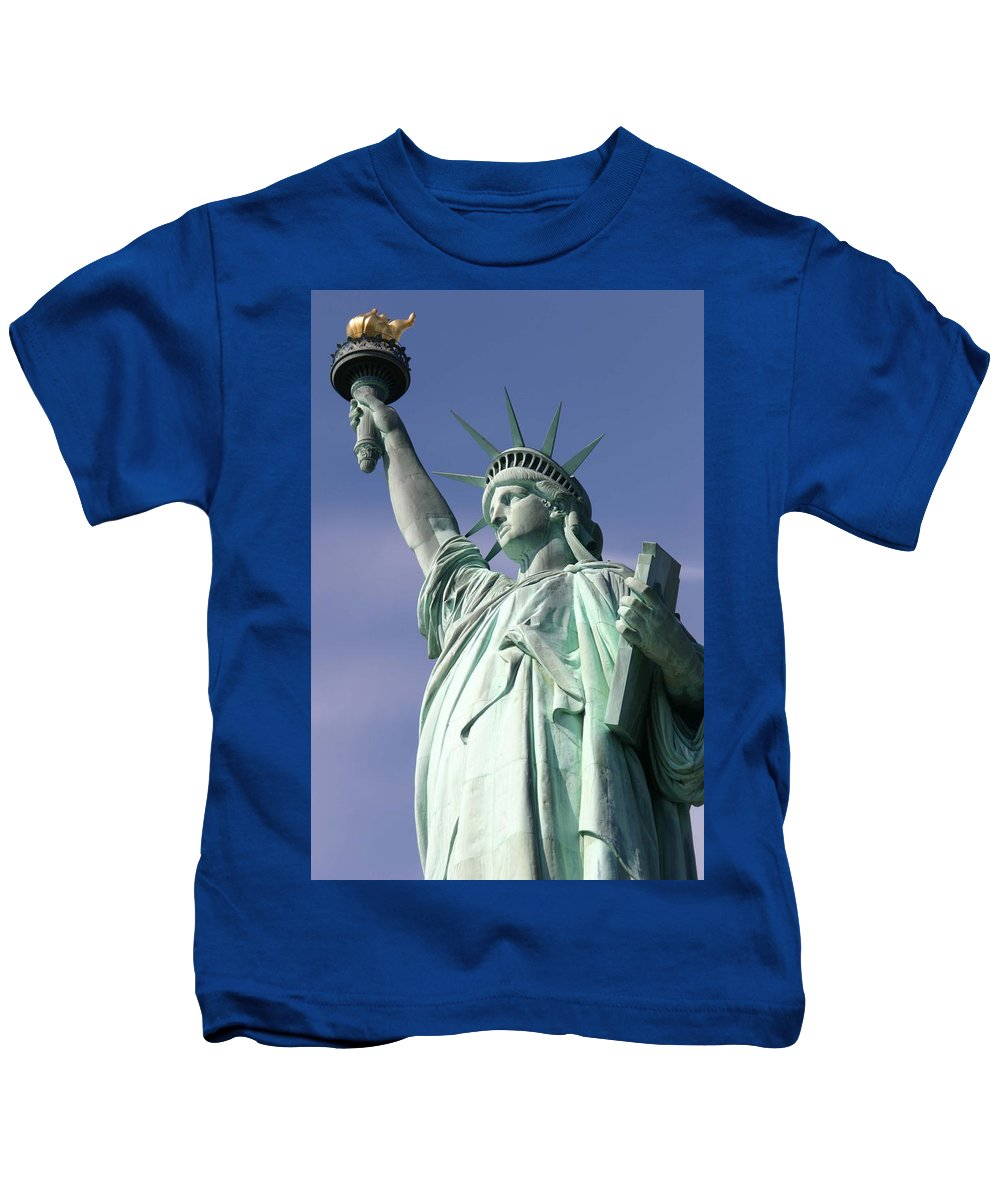 Statue Of Liberty Kids T-Shirt featuring the photograph Lady Liberty 01 by Pamela Critchlow