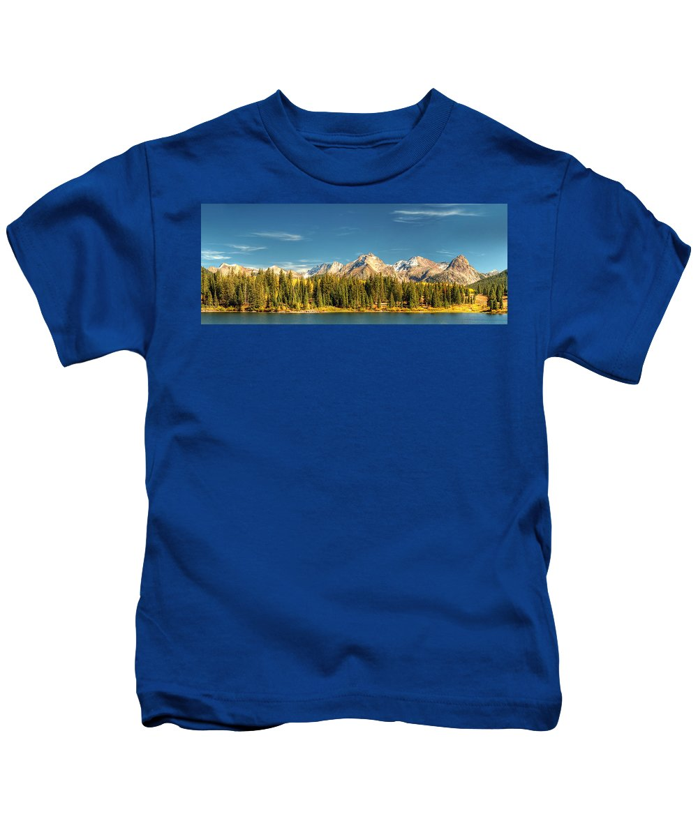 The Needles Kids T-Shirt featuring the photograph Molas Lake And The Needles Pan 1 by Ken Smith
