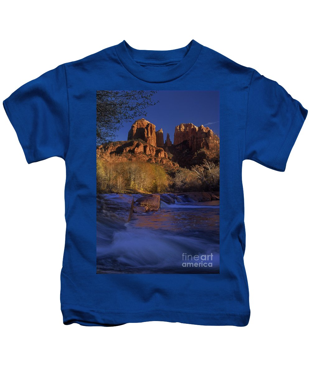 North America Kids T-Shirt featuring the photograph Oak Creek Crossing Sedona Arizona by Dave Welling