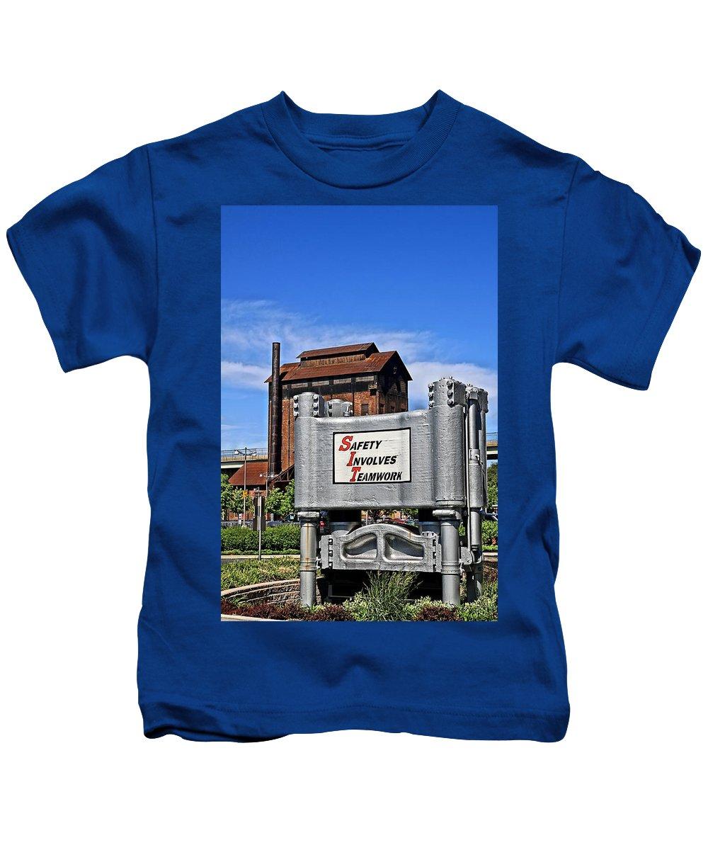 Bethlehem Kids T-Shirt featuring the photograph Teamwork by DJ Florek